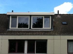 dakkapel platdak blauw met wit dubbel